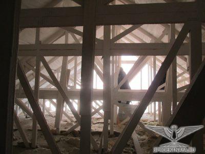 Фото 10. Конструкции деревянных дощатых ферм мансарды в осях 3-2_А1-А2