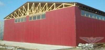 Рисунок 4.1. Конструкции крыш с деревянными фермами, элементы которых соединены металлическими зубчатыми пластинами.