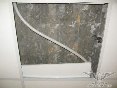 Фото 5. Участок монолитной плиты перекрытия над 2-ым этажом, фото из помещения 2-го этажа